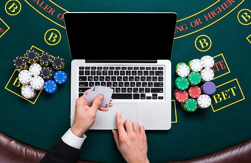 Tricks to playing online poker